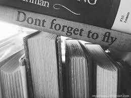 стопка иностранных книг