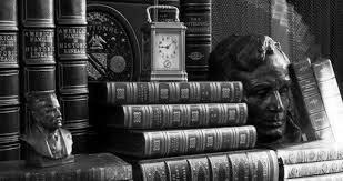 книги и часы, красивое фото