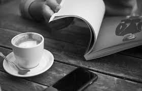 книга и чашка кофе