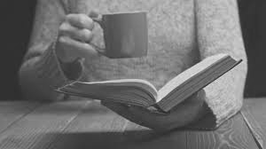 книга и чай, читатель