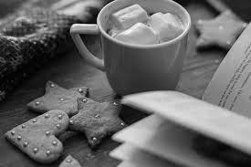 кофе с зефиром, печеньем и чтением