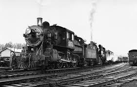 паровоз на железной дороге