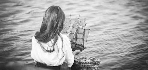 Ассоль и корабль с алыми парусами