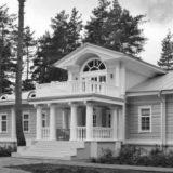 Дом с мезонином